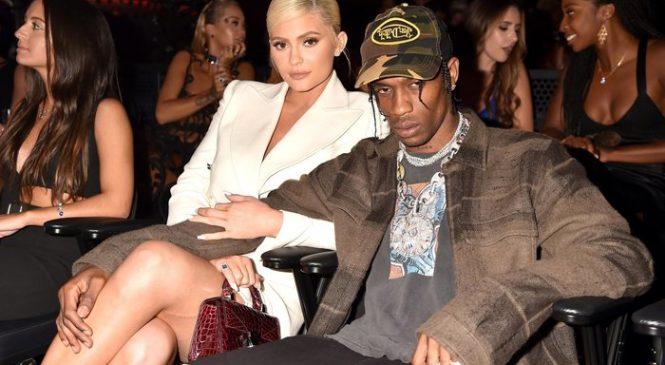Kylie Jenner & Kim Kardashian Call Out Fake Travis Scott Cheating Photo